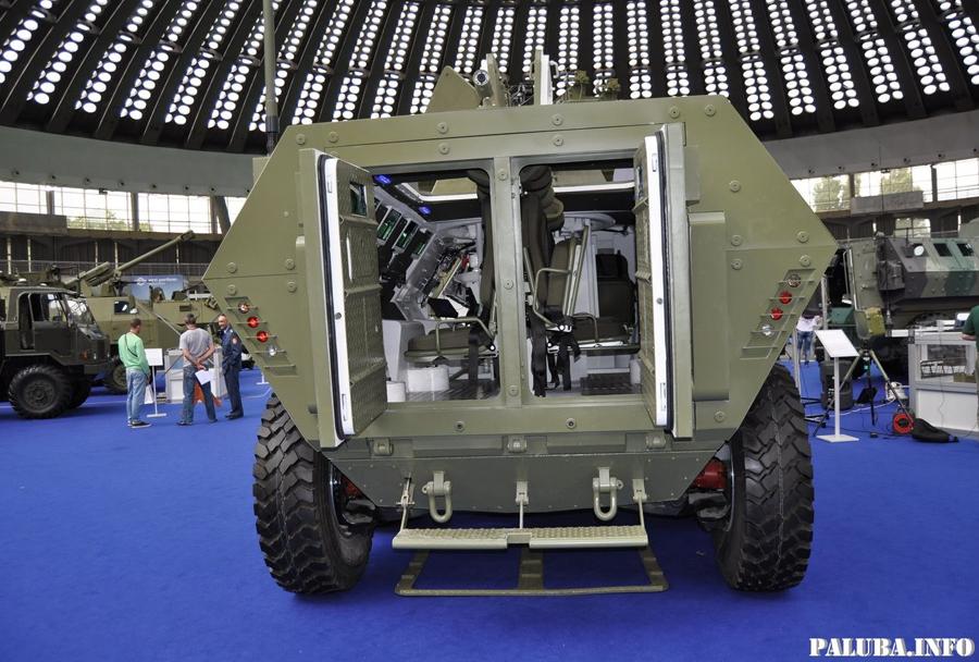 Srbsko oklepno vozilo LAZAR II 8x8