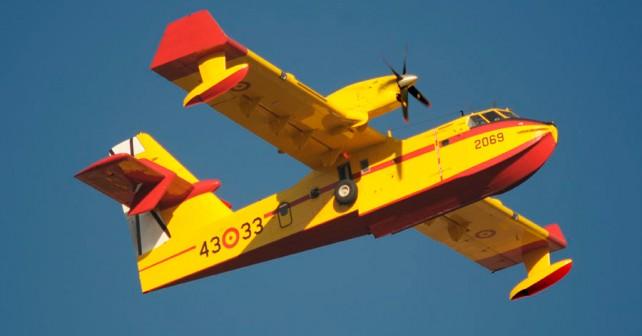 Špansko letalo za gašenje požarov Canadair CL-415