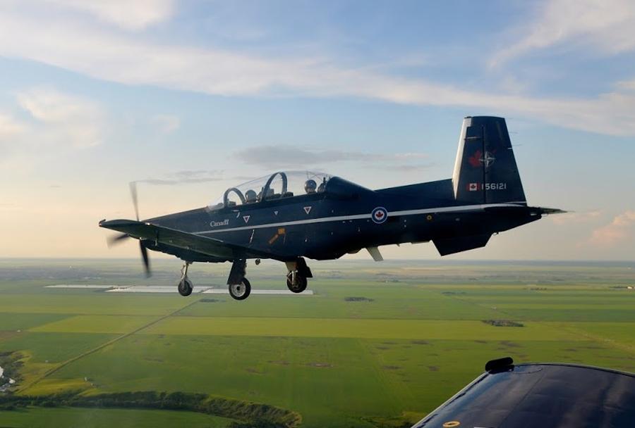 Kanadsko šolsko letalo CT-156 harvard II