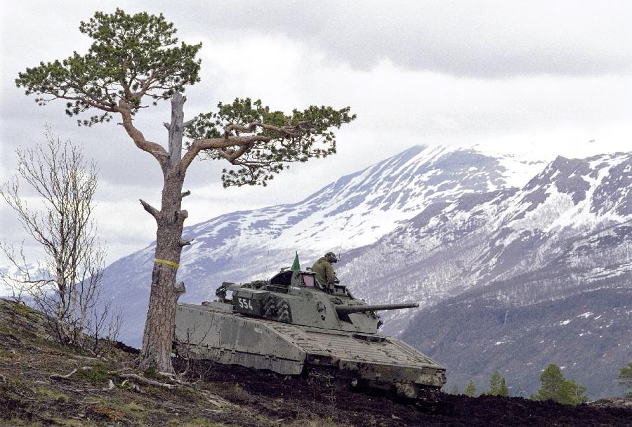 Norvesko oklepno vozilo CV90 v izvidnici