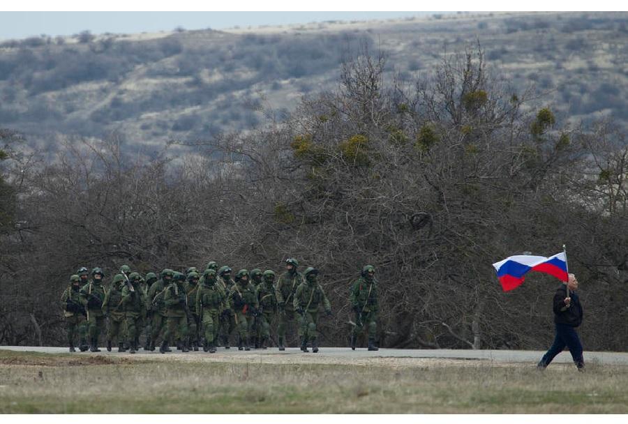 Proruska vojska - nadzor meje na Krimskem polotoku