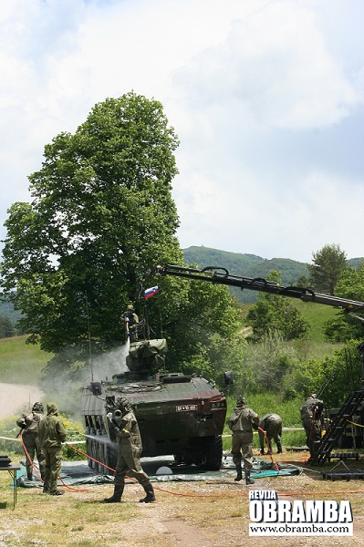 Dekontaminacija vozila patria AMV_8x8 - Slovenska vojska Premik 2013