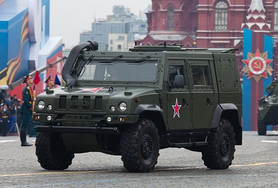 Lahko oklepno vozilo Iveco LMV - Ruska vojska