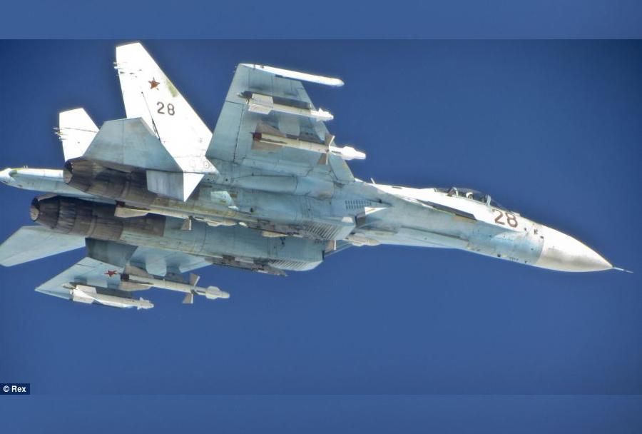 ruski-lovec-Su-27-nad-Baltikom