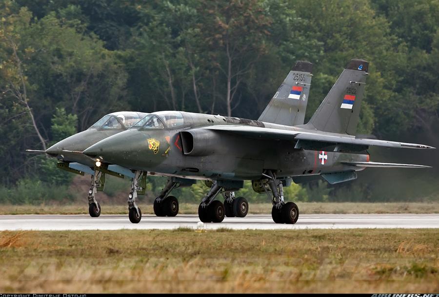 Srbski letali J-22 orao