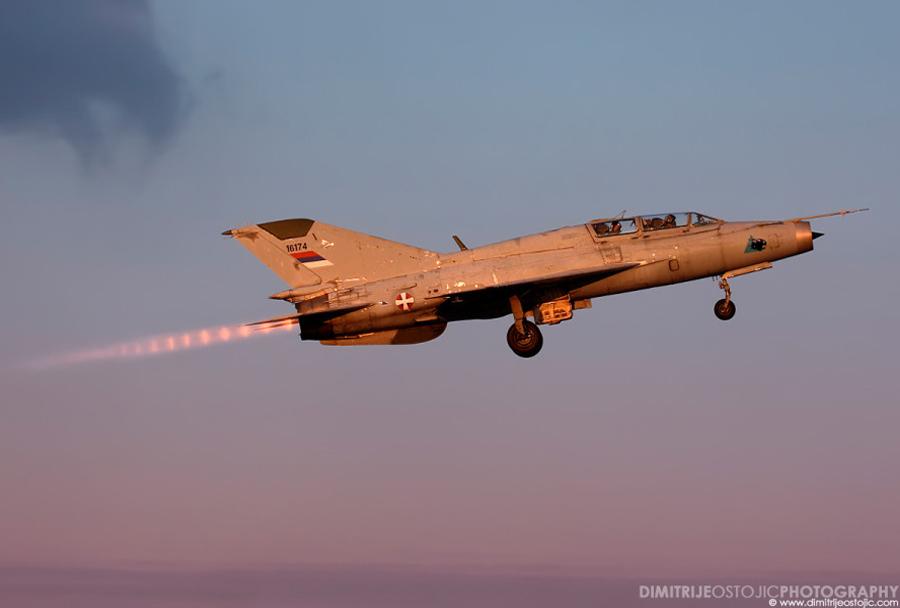 Srbski lovec MiG-21