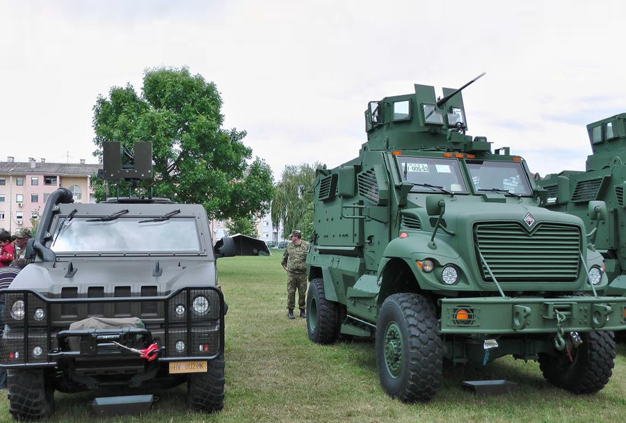 Dan Hrvaške vojske 2014 - MRAP maxxpro in hmmwv