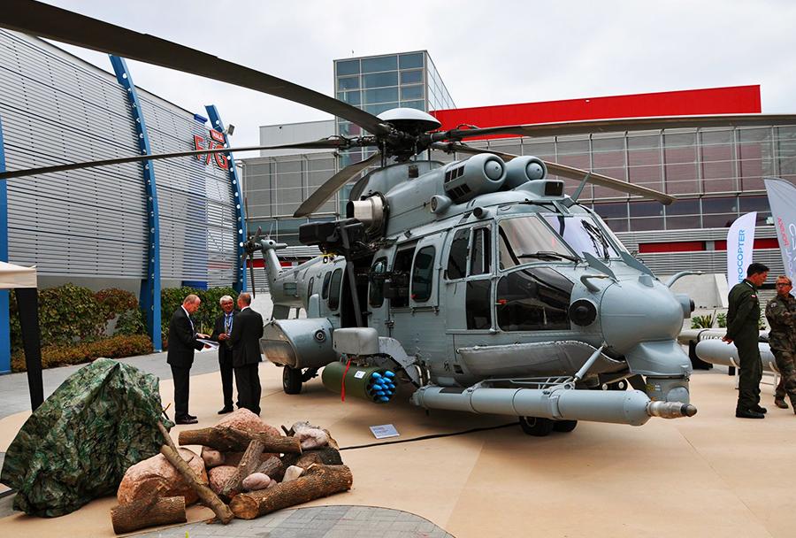 Večnamenski helikopter Eurocopter EC725 caracal