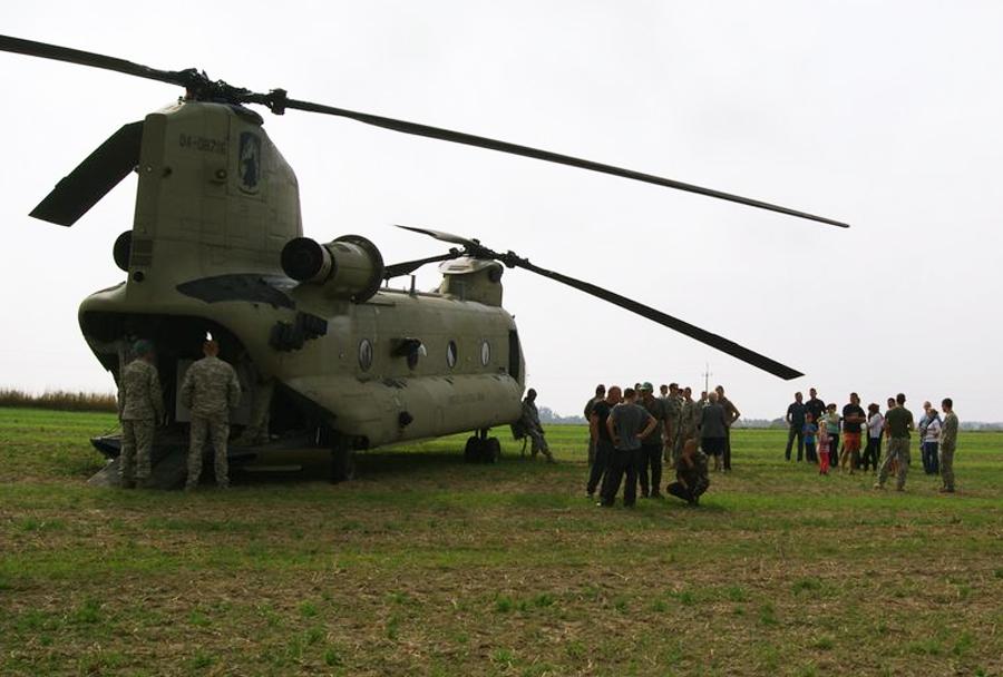 Zasilni pristanek ameriških helikopterjev na Poljskem