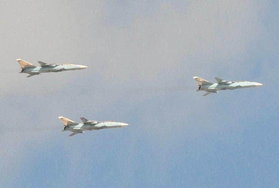 Sirska vojaška letala Su-24 fencer