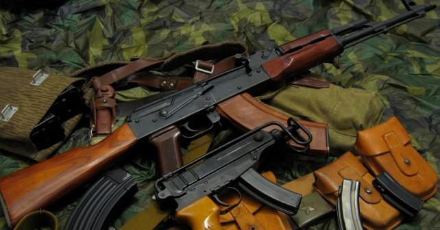 Jurišna puška AK-47 kalašnikov