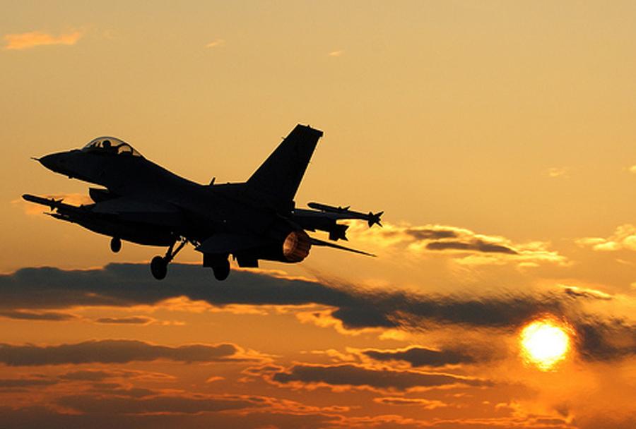 Lovsko letalo F-16