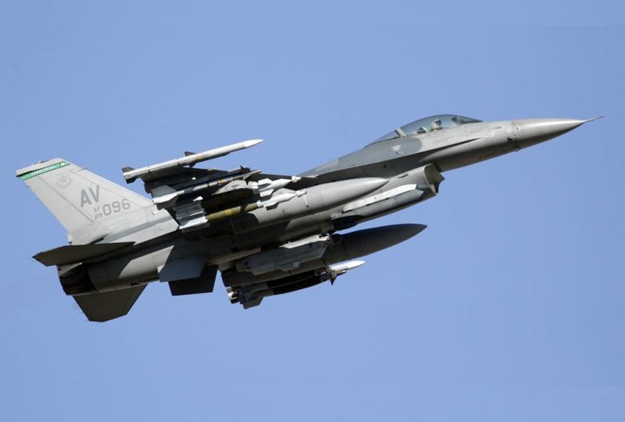 Ameriški lovec F-16