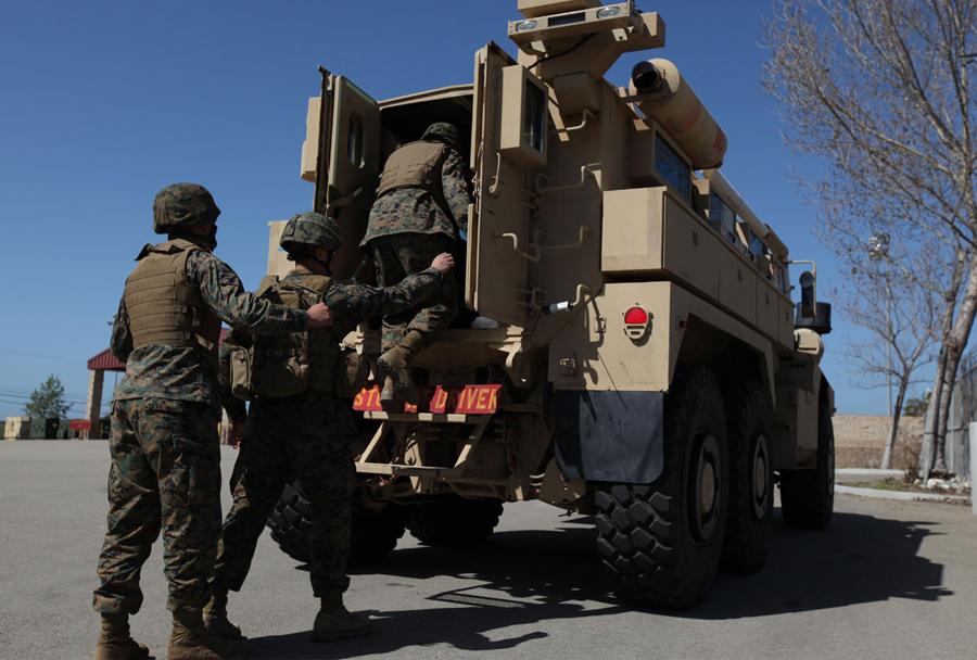 Oklepno vozilo s protiminsko zaščito MRAP cougar cat II 6x6