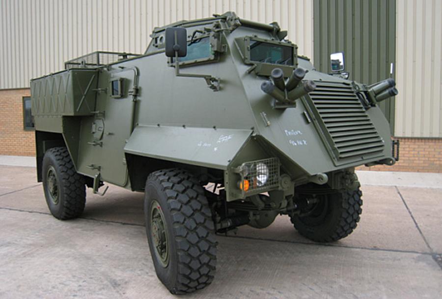 Britansko oklepno vozilo AT105 saxon 4×4
