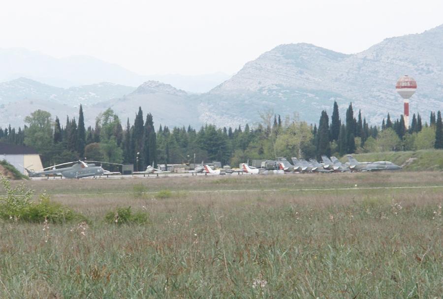 Črnogorska letalska baza Golubovci