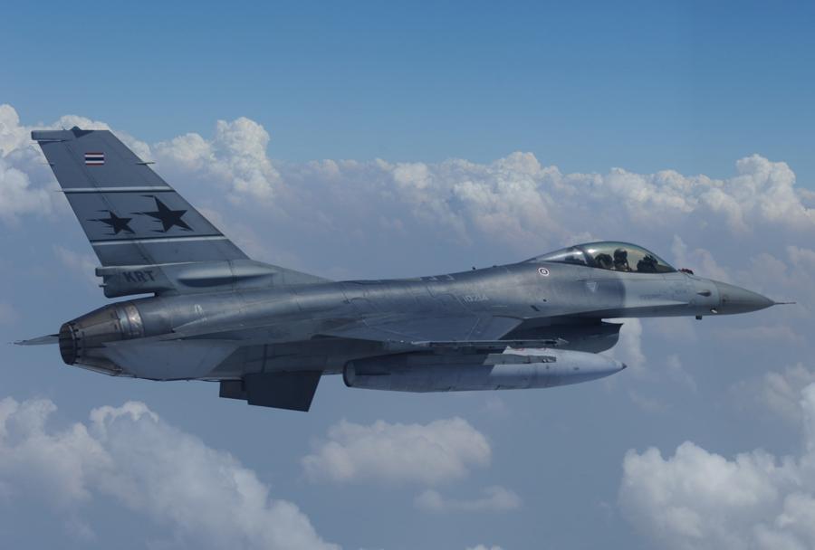 Strmoglavil tajski lovec F-16