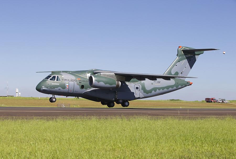 Prvi polet transportnega letala Embraer KC-390