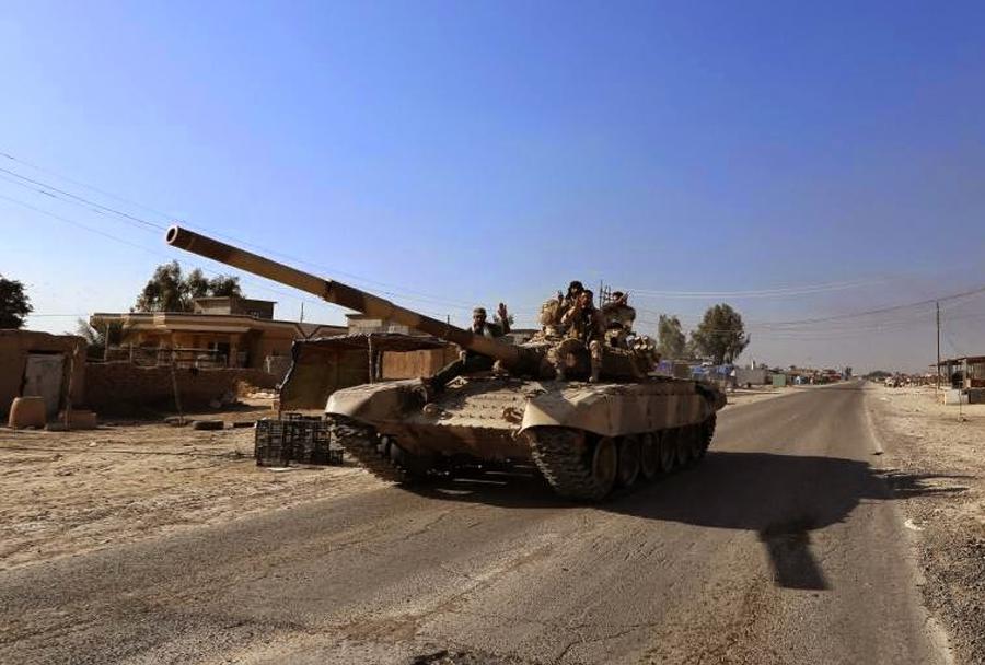 Iranski tank-T-72 pred Tikritom