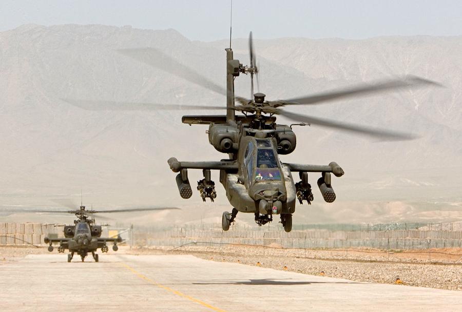 nizozmski-helikopter-AH-64-apache-v-Maliju-