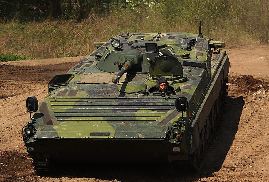 oklepno-pehotno-vozilo-BMP-1