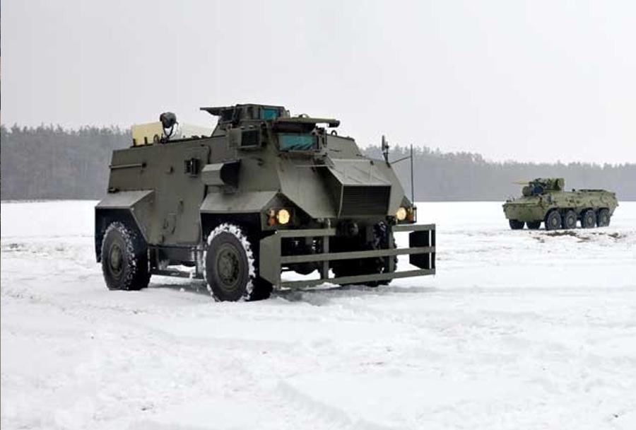 Ukrajinska vojska - oklepnik AT105 saxon 4x4