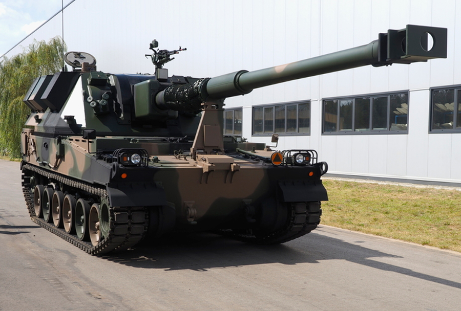 nova-poljska-havbica-AHS-krab-155mm-