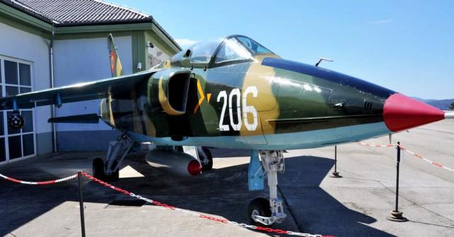 Park vojaške zgodovine Pivka: letalo IAR-93 valtur/orel