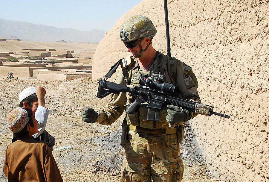Jurišna puška HK417 - avstralski vojak v Afganistanu