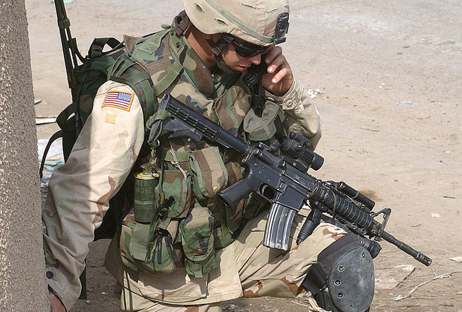 karabinka Colt M4