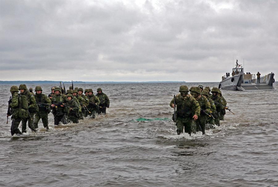 Estonski vojaki med vojaško vajo zveze Nato