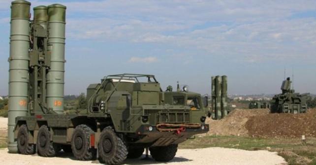 Ruski raketni sistem zračne obrambe S-400 v Siriji