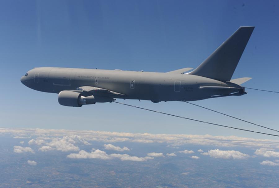 Italijanska leteča cisterna Boeing KC-767A