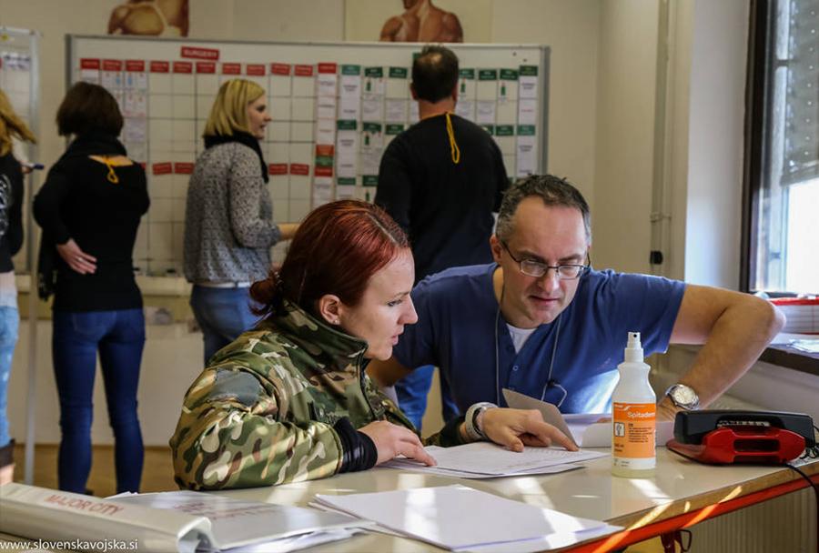 6. tečaj odziva zdravstva ob velikih nesrečah – Vojašnica Franca Uršiča, januar 2016