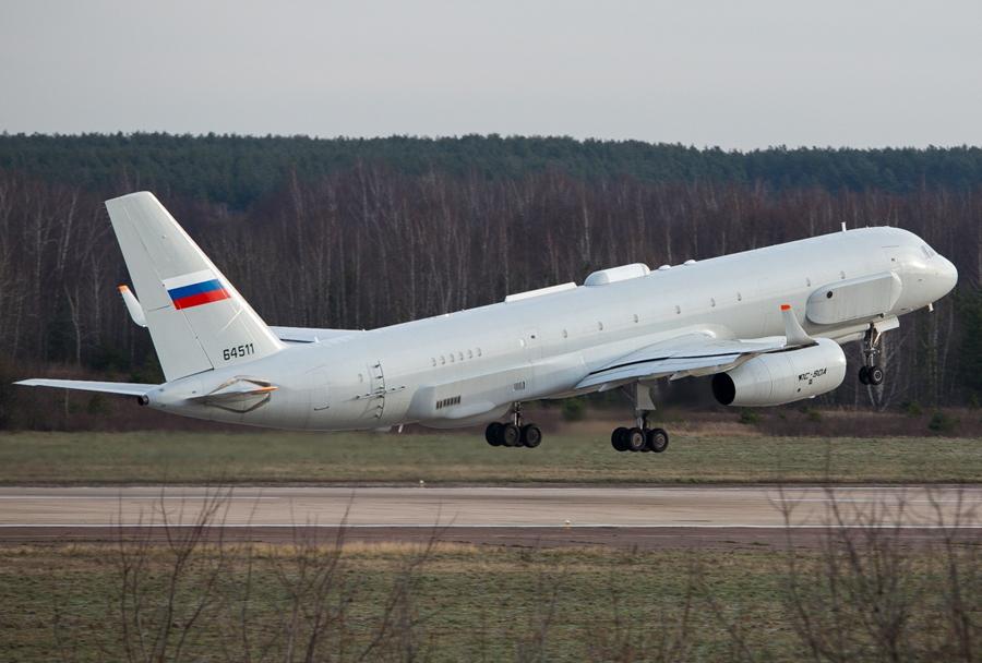 Skrivnostno-rusko-izvidnisko-letalo-Tupoljev-Tu-214R-