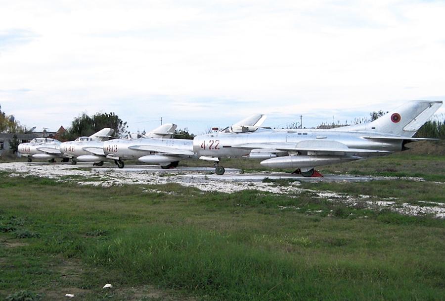 Albanski lovci MiG-17