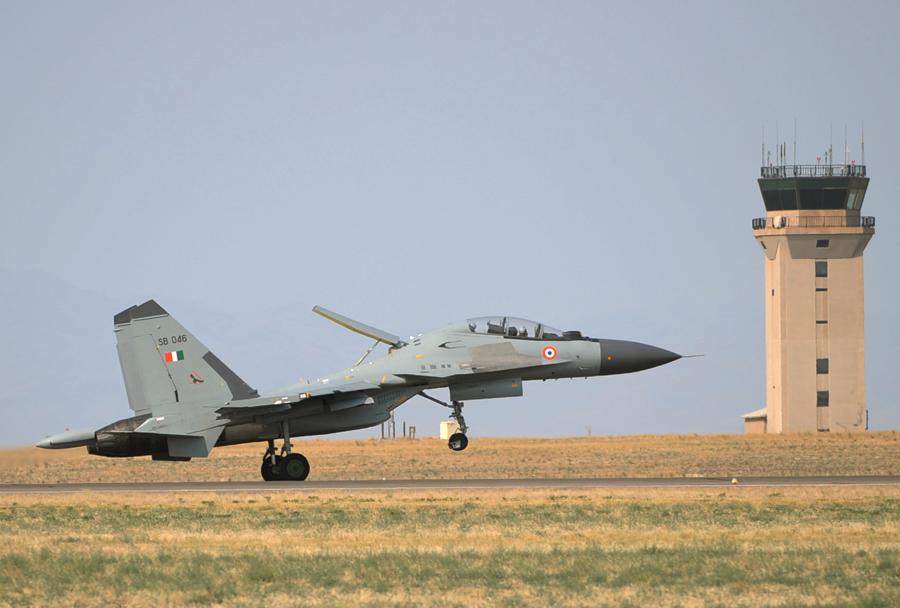 Indijski lovec Su-30