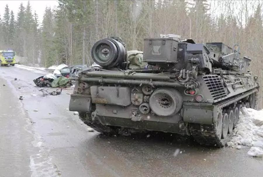 Vojaška vaja Cold Response 2016 - nesreča oklepnika ingenionrpanservogn