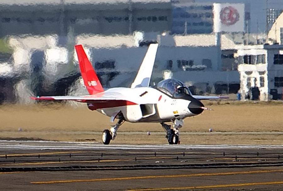 japonski-prototipni-lovec-ATD-X-X-2