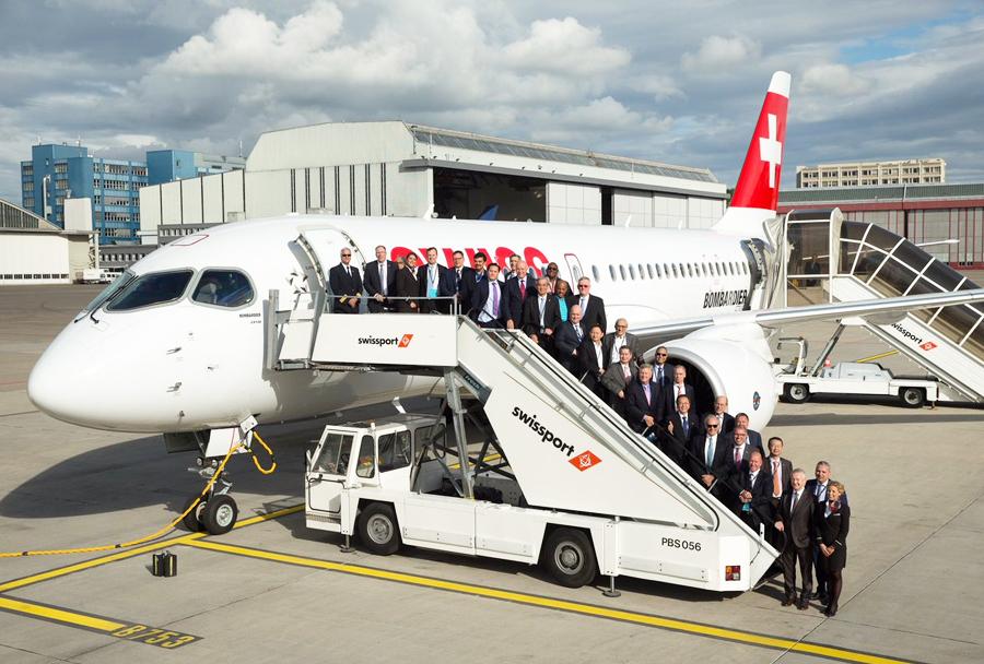 Šefi Star Alliance ob potniškem letalu Bombardier CS100