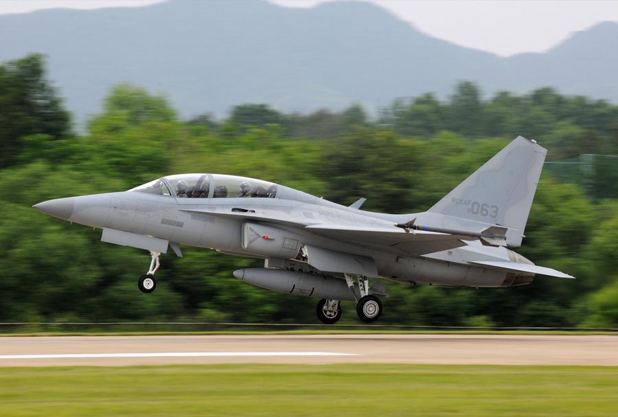 lahko-bojno-letalo-kai-fa-50