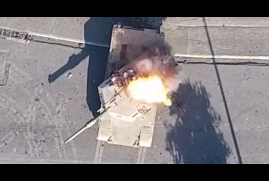 ISIS - napad z brezpilotnim letalom na iraški tank abrams