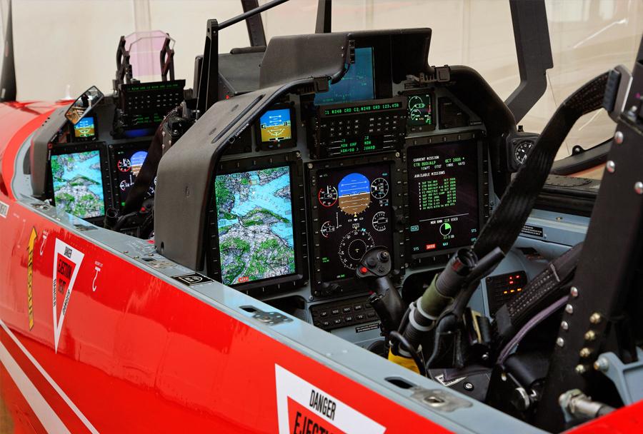 Letalo Pilatus PC-21 - kokpit
