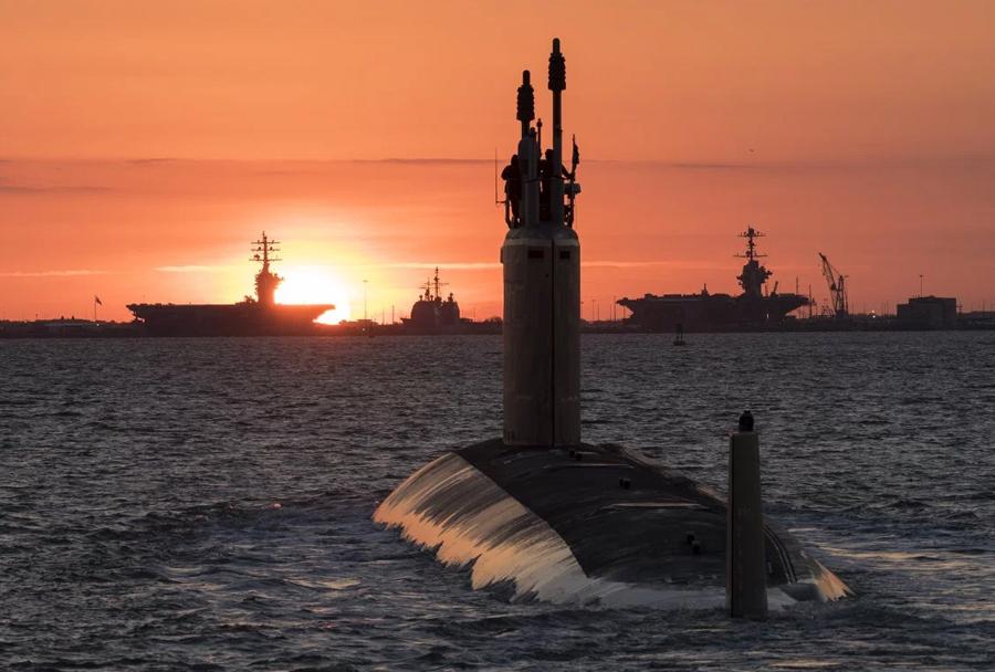 Ameriška jurišna podmornica Washington (SSN-787) razreda virginia med testiranji
