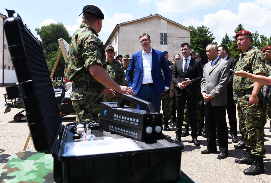 Kitajska donacija vojaške opreme za Vojsko Srbije