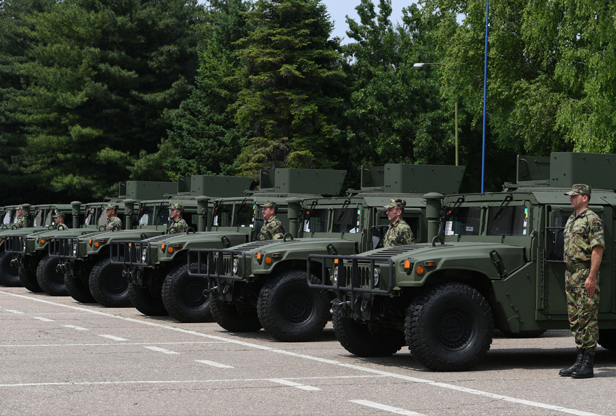 Oklepna vozila humvee za Vojsko Srbije - donacija ZDA