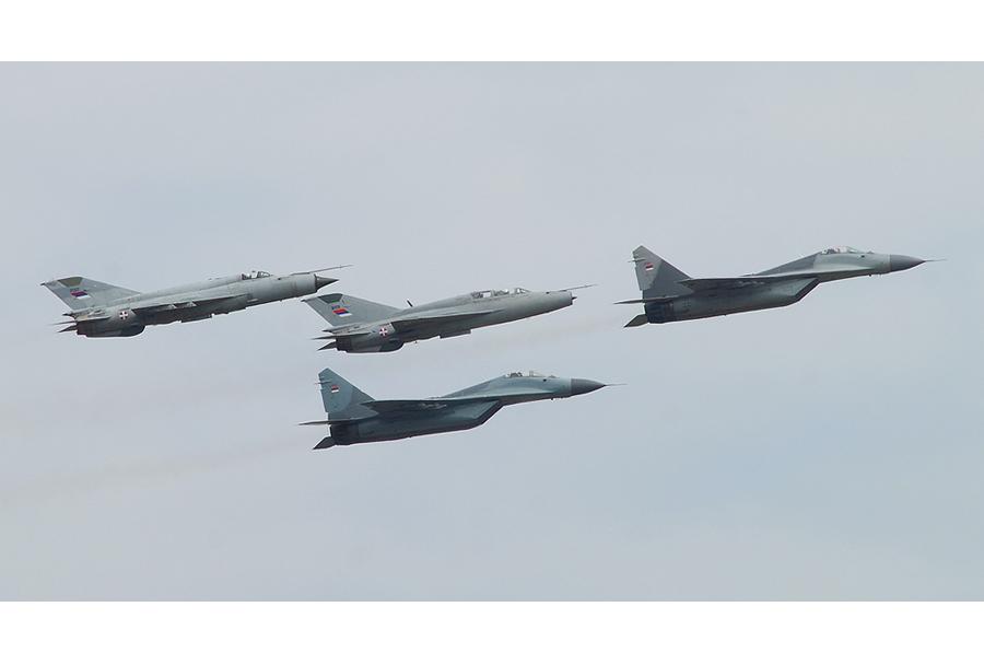 Srbski lovci MiG-29 in MiG-21