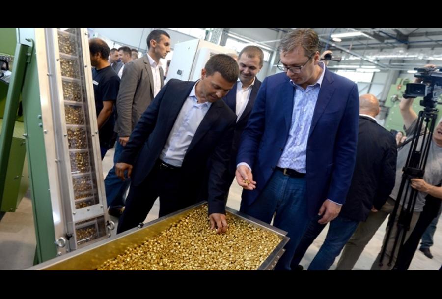 Vučić na obisku nove tovarne streliva v Srbiji