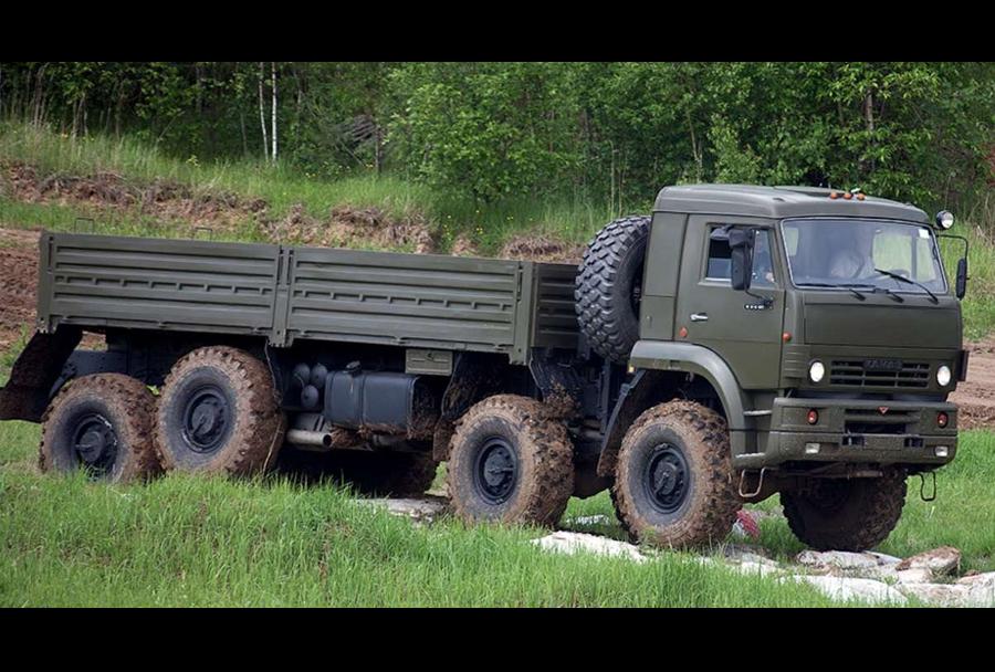 Vojaški tovornjak KAMAZ 6560 8x8