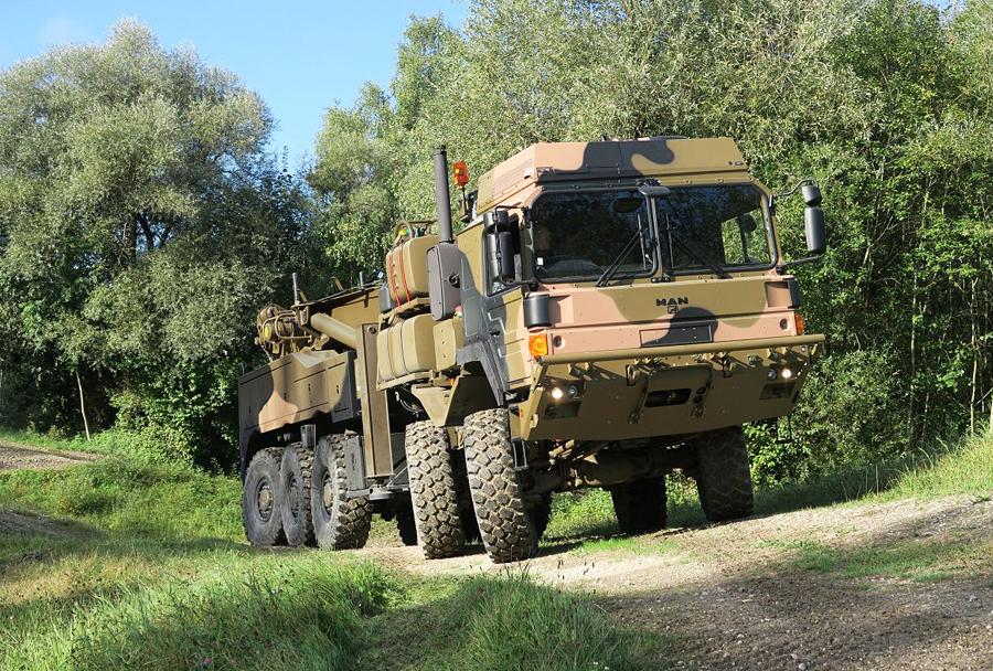 Vojaški tovornjak HX2 10x10